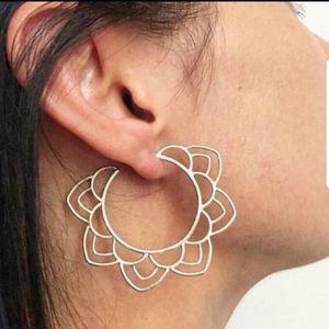 🆕️💎 Floral Earrings 💎